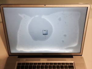 Ремонт MacBook після залиття рідиною