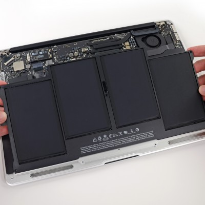 Заміна батареї на MacBook Air