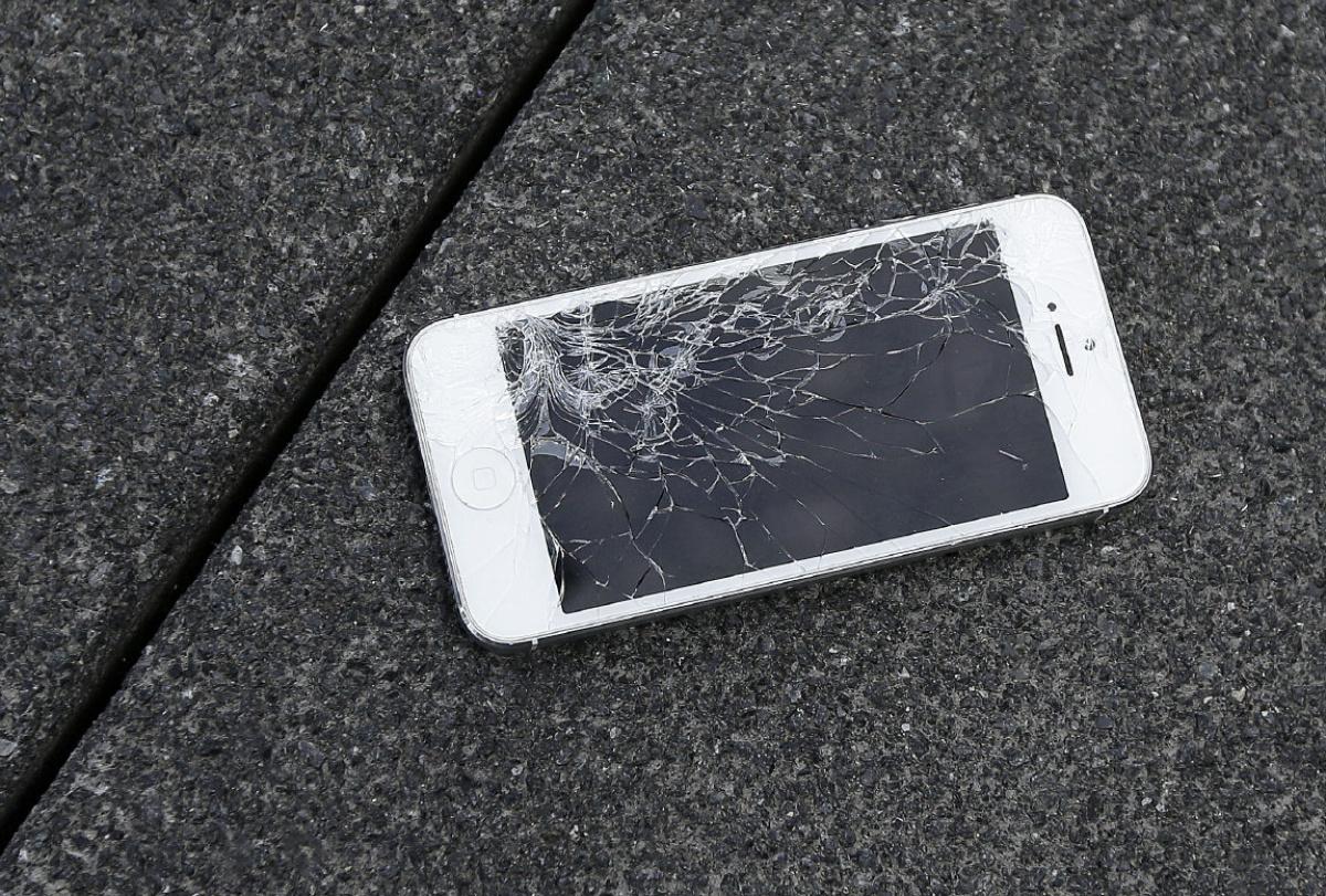 Обмін iPhone. Заміна зламаного iPhone на новий