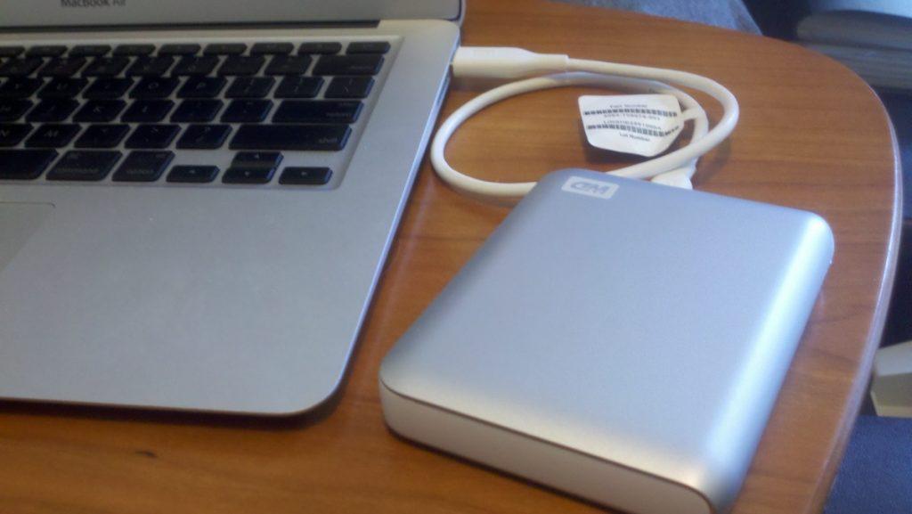 mackbook-external-drive