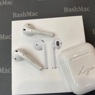 Пример лазерной гравировки на Apple AirPods и Xiaomi AirDots