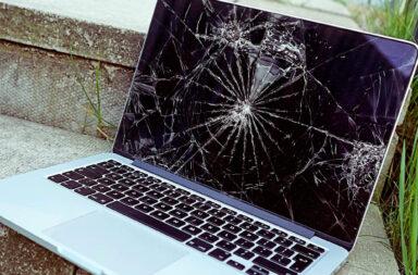 Услуги замены дисплея Макбук в Киеве